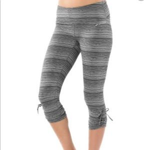 Brooks Black & White Urban Run Capri Workout Pants